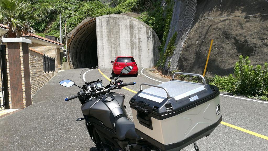 ふさがれたトンネルを見に行く